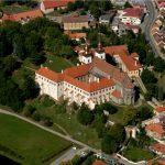 Třebíč-letecky-pohled-na-zamek-a-baziliku-sv-prokopa