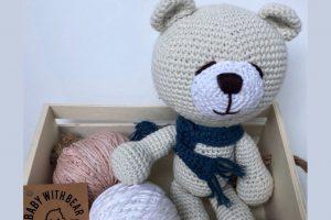 Virtuální vánoční trh Zámek Žďár - Baby with bear